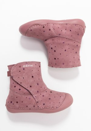 TUTIM - Classic ankle boots - dark pink