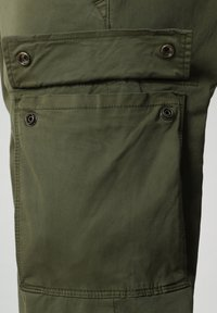 Napapijri - MOTO - Cargo trousers - green cypress - 5