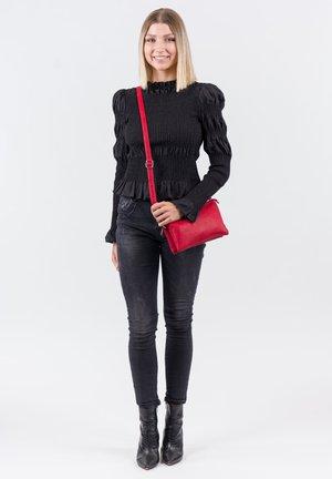 EMMA - Sac bandoulière - red 600