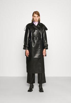 ECO UTILITARIAN - Trenchcoat - black
