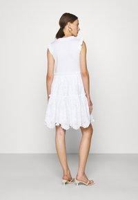 kate spade new york - MEDIA BRODRE DRESS - Denní šaty - fresh white - 2