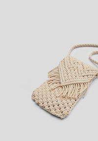 s.Oliver - IN MAKRAMEE OPTIK - Across body bag - off white - 6