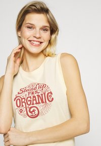 Patagonia - ROOT REVOLUTION MUSCLE TEE - Toppe - vela peach - 3