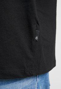 Burton Menswear London - B&T BASIC CREW 3 PACK  - T-shirt basic - black/white/grey - 5