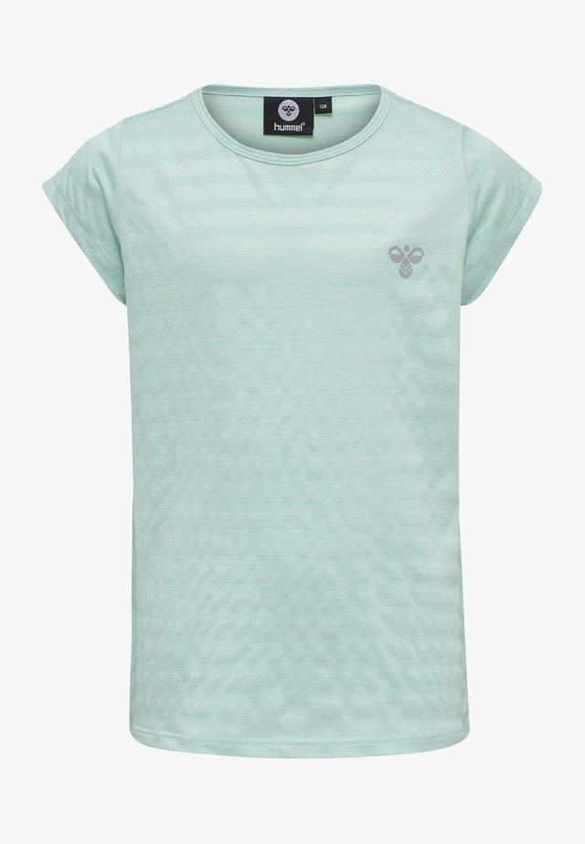 T-shirt print - blue tint