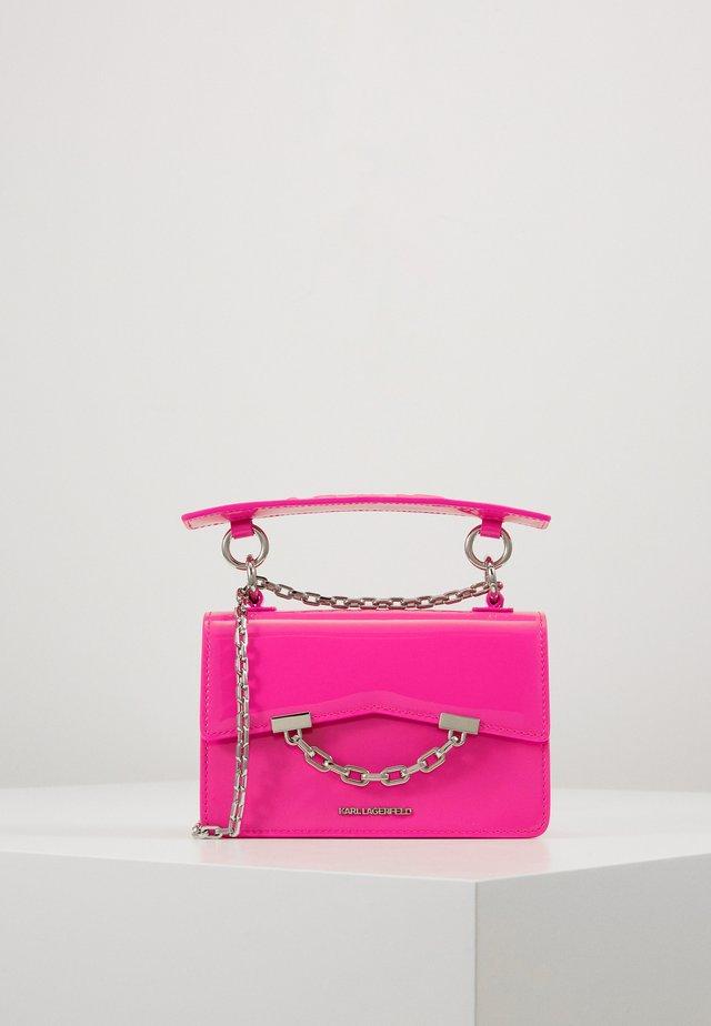 SEVEN MINI SHOULDERBAG - Sac bandoulière - neon pink