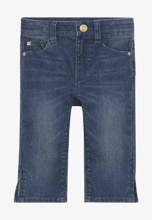 PANTS - Jeansshort - medium wash denim