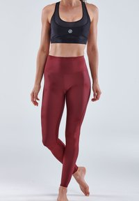 Skins - Base layer - burgundy - 1
