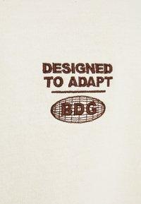 BDG Urban Outfitters - SPHERE - Felpa - ecru - 6