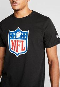 New Era - NFL SHIELD BACK TO BLACK TEE - Triko spotiskem - black - 5
