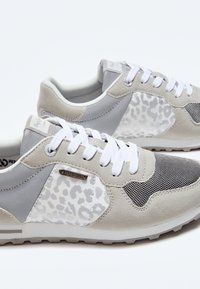 Pepe Jeans - VERONA W STAIN - Trainers - plata - 4