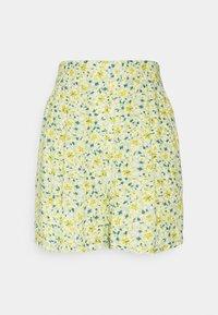 EXCLUSIVE AYDEN - Shorts - yellow