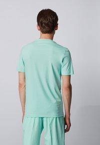 BOSS - TESSLER - Print T-shirt - open green - 2