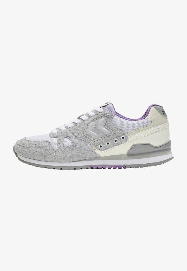 Sneaker low - quarry
