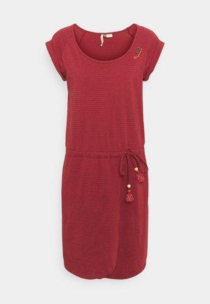 GLITTER - Sukienka z dżerseju - henna