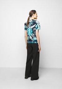 Proenza Schouler White Label - CLASSIC SHORT SLEEVE - T-Shirt print - dark blue - 2