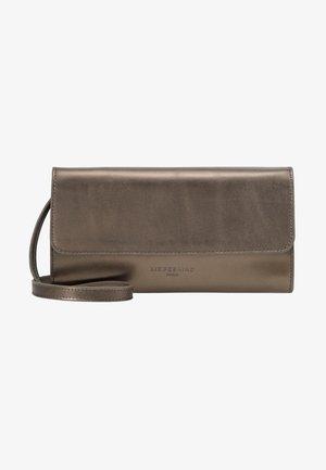 BASAMAPS9 - Across body bag - warm silver