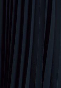 Vero Moda - VMLAUREN WRAP DRESS - Koktejlové šaty/ šaty na párty - navy blazer - 2