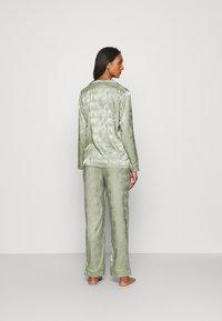 Loungeable - LEAF TRADITIONAL LONG SLEEVE AND LONG PANTS - Pyjamas - multi - 2
