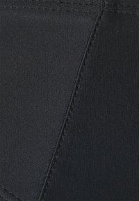 Missguided - BANDEAU WITH STRAPS AND HIGH WAIST HIGH LEG BOTTOMS SET - Bikini - black - 6