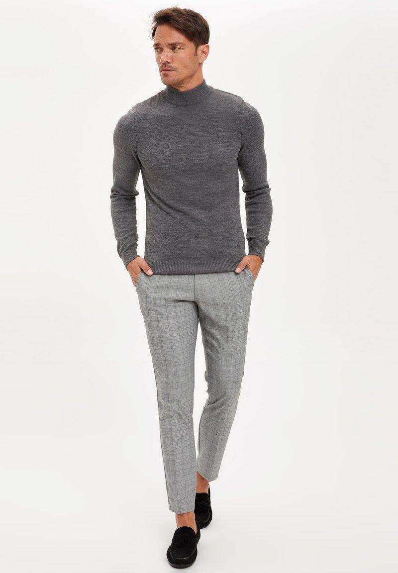DeFacto - Pantaloni - grey