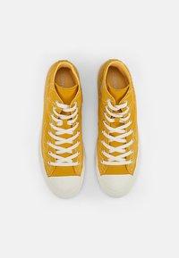 Converse - CHUCK TAYLOR ALL STAR - High-top trainers - gold dart/egret/egret - 3