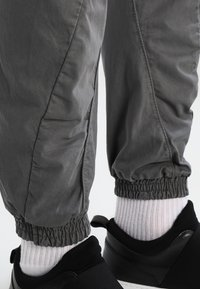 Urban Classics - JOGGING - Cargo trousers - darkgrey - 5