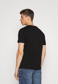 Pier One - T-shirt con stampa - black - 2