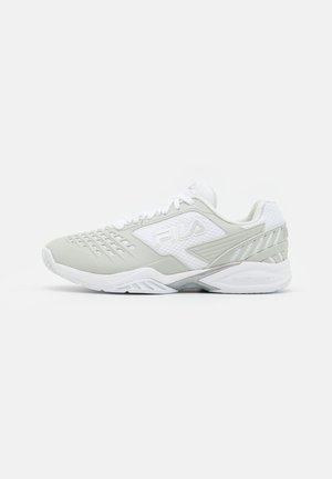 TENNIS SHOE WOMEN AXILUS - Multicourt tennis shoes - white