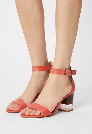 VAIA - Sandals - rose