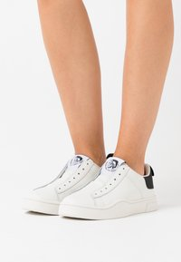 Diesel - CLEVER S-CLEVER SO WSNEAKERS - Slip-ons - white/black - 0