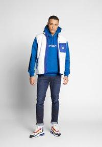 Carhartt WIP - Luvtröja - azzuro/white - 1