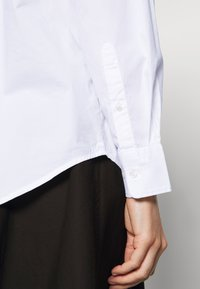 GANT - OVERSIZED SOLID - Button-down blouse - white - 5