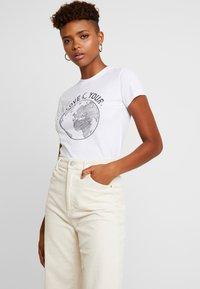 Topshop - LOVE YOUR WORLD - Print T-shirt - white - 0