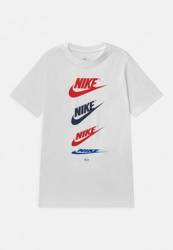FUTURA REPEAT - Print T-shirt - white