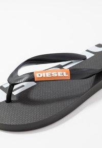 Diesel - SA-BRIIAN - Pool shoes - black/orange popsicle - 5