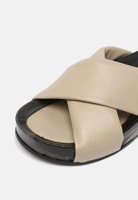 Oa non fashion - Pantofle - marmo stone - 5