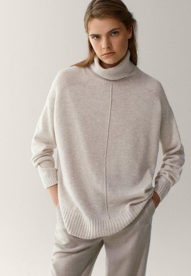 Sweter - nude