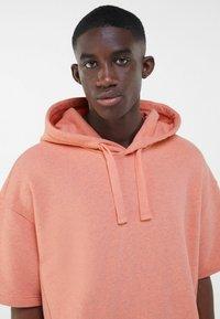 Bershka - Print T-shirt - orange - 3
