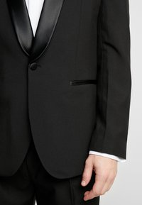OppoSuits - JET SET TUXEDO - Suit - black - 7