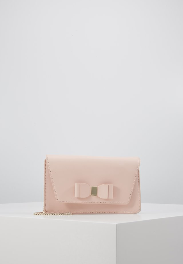 KEEIIRA - Clutch - dusky pink