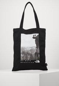 The North Face - WOMAN DAY BAG - Sac de sport - black - 0
