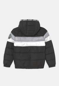 Levi's® - COLORBLOCK  - Winter jacket - black - 1