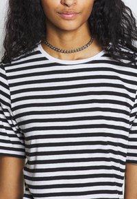 NA-KD - STRIPED TEE - T-shirt print - black/white - 5