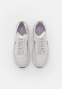 Nike Sportswear - WAFFLE ONE - Tenisky - summit white/infinite lilac/light bone/green glow - 3