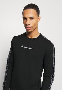Champion - LEGACY TAPE LONG SLEEVE - Long sleeved top - black - 3