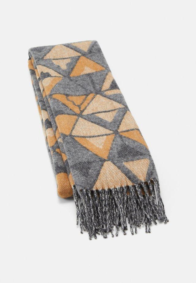 GEOMETRIC SCARF  - Sjal / Tørklæder - beige