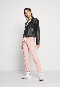 ONLY - ONLLAYLA RUNA LIFE SOLID PANT  - Pantalones - misty rose - 1