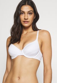Marks & Spencer London - FULL CUP PLEATS - T-shirt bra - white - 2