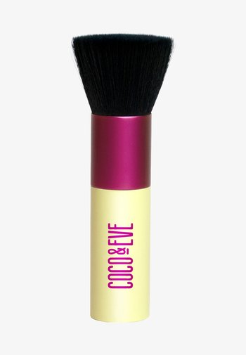 SUNNY HONEY DELUXE VEGAN KABUKI BRUSH